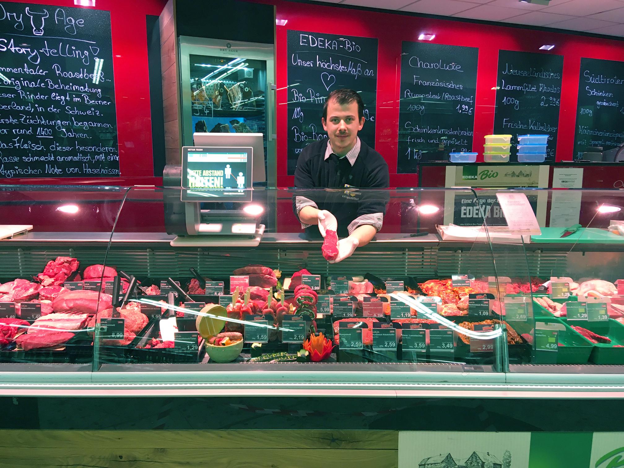 Fleisch Frischethek ein Hannover bei EDEKA Durasin im Stadtteil List in Hannover